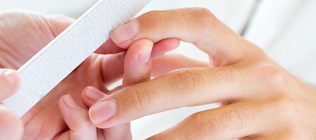 Maniküre und Handpflege für Männer